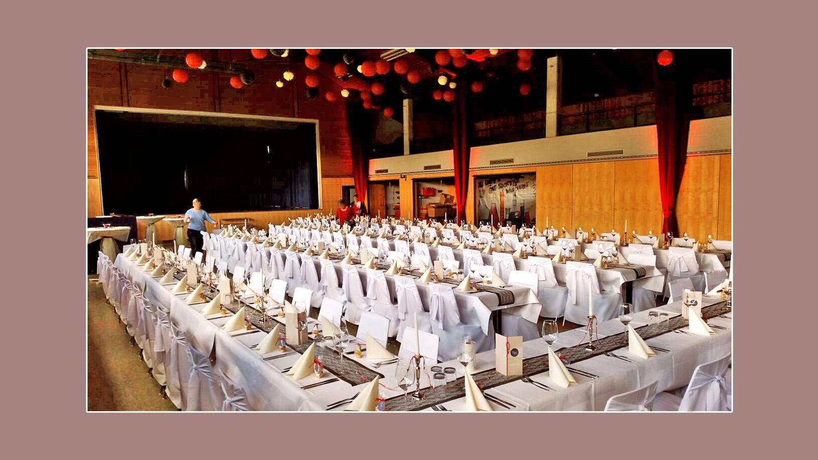Tischdeko-Weiss-creme-Hochzeit